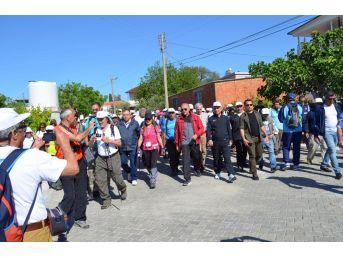 Didim'de Geleneksel Kutsal Yol Yürüyüşü Düzenlendi