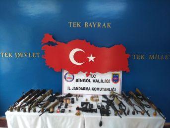 Bingöl'de 2 Terörist Etkisiz Hale Getirildi, Silah Ve El Bombaları Ele Geçirildi