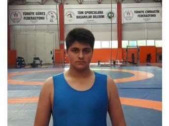 Düzceli Güreşçiler Türkiye Şampiyonasına Katılmaya Hak Kazandılar