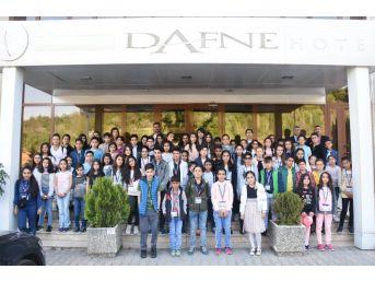 Yüksekovalı 75 Öğrenci Düzce'ye Geliyor