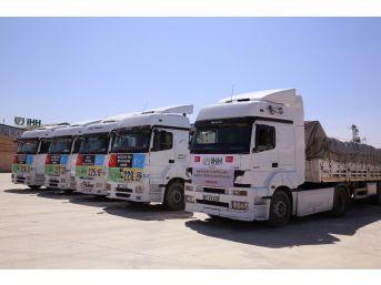 Suriye'ye 3 Ayda 432 Tır Yardım Malzemesi Gönderildi