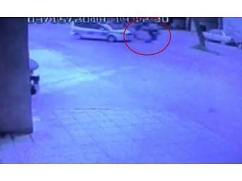 (özel) Polis Aracıyla Çarpışan Motosikletli Defalarca Takla Attı