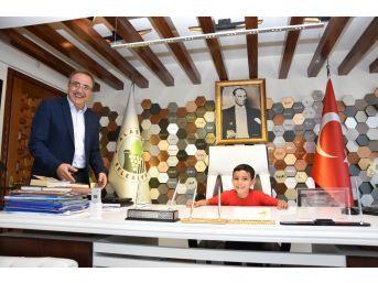 Başkan Karaçoban Koltuğunu Devretti
