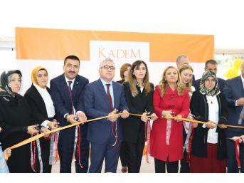 Kadın Ve Demokrasi Derneği Açıldı