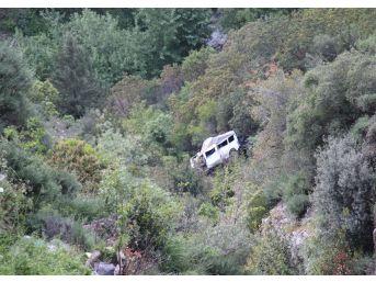 Üç Kişiye Mezar Olan Minibüs İbret İçin Olduğu Yerde Bırakıldı