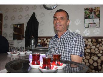 Çaylar 6 Dil Bilen Çaycıdan