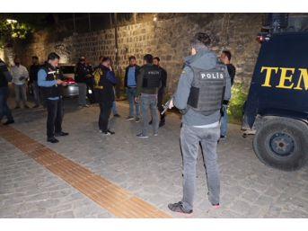 Diyarbakır'da 750 Polisle Parklarda Huzur Operasyonu