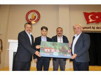 Seydişehir'de Yazar Vehbi Vakkasoğlu Konferans Verdi