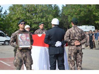 Mardin Şehidi Karaman Dualarla Uğurladı