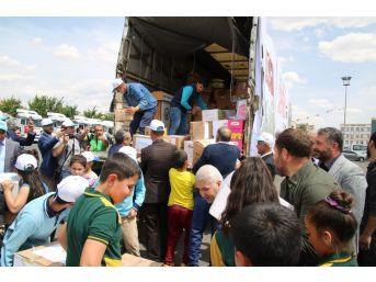 Şanlıurfa'dan 18 Tır İnsanı Yardım Afrin'e Uğurlandı
