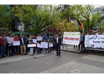"""Trabzon'da Bulunan Afganistan Hazaralarından """"savaşa Ve Teröre Hayır"""" Açıklaması"""