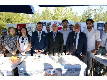 Uşak Üniversitesi Rektörü Öğrenci Topluluklarıyla Bir Araya Geldi