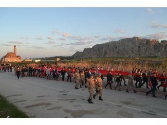 Van'da 57. Alay Ve Çanakkale Şehitlerine Vefa Yürüyüşü Yapıldı
