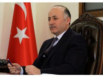 """Vali Azizoğlu; """"dünya Basın Özgürlüğü Günü Kutlu Olsun"""""""