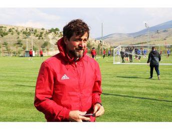 """Yeni Malatyaspor Yardımcı Antrenörü Turgay Karslı: """"her Maça Puan İçin Çıkıyoruz"""""""