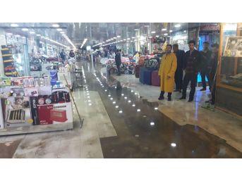 Kızıltepe'de Sel: 200 İş Yerini Su Bastı