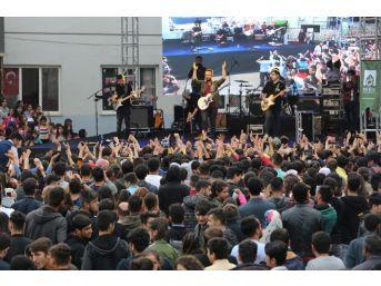Mardin'de 1 Günde 2 Ayrı Yerde Konserler Verildi