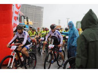 Mardin'de Dağ Bisikleti Yarışması Düzenlendi