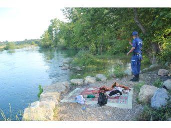 Ailesiyle Piknik Yaparken Irmağa Düşen 5 Yaşındaki Çocuk Kayboldu