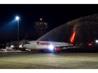 Türkiye'nin İlk Boeıng 737 Max 8'i Antalya'ya İndi