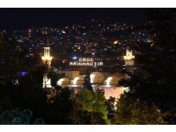 (özel Haber) Bursa'da Tarihi Ulucami'ye Mahyalar Böyle Asıldı
