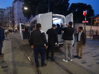 (özel) Taksim'de Dilenci Ve Hanutçu Operasyonu
