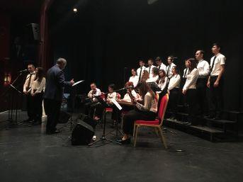 Üsküdar Işıklar Gençlik Korosu Konser Verdi