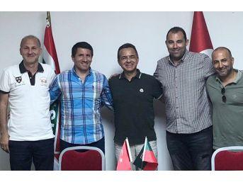 Karşıyaka'da Futbol İsmet Arzuman'a Emanet