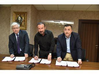 İzmit Belediyesi'nde Sözleşme İmzalandı