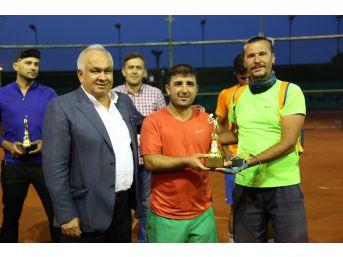 Erdemli'de Bahar Kupası Tenis Turnuvası Sona Erdi