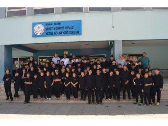 Adana'daki Yatılı Bölge Ortaokullarının Spor Eşofmanları Yenilendi