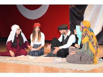 Adıyaman'da Tiyatro Oyununa Yoğun İlgi