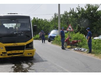 Motosiklet İle Minibüs Çarpıştı: 1 Ölü, 1 Ağır Yaralı