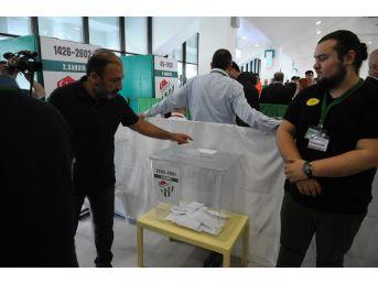 Bursaspor Olağan Genel Kurulu'nda Oy Kullanılmaya Başlandı
