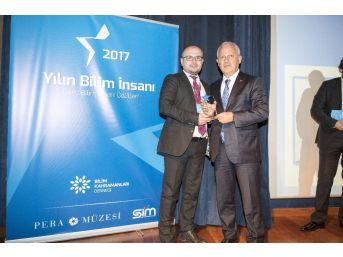 Paü'de Görevli Doç. Dr. Necip Atar'a 'genç Bilim İnsanı Ödülü' Aldı