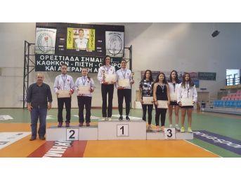 Yunanistan'dan 5 Madalya İle Döndüler