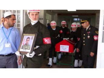 Kaza Kurşunu İle Şehit Olan Asker Memleketine Uğurlandı