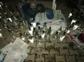 Alev Topuna Dönen Tekel Bayisinde Yaklaşık 100 Şişe Etil Alkol Ele Geçirildi