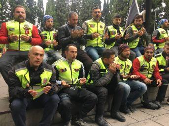 Motosiklet Tutkunlarından Fatih Sultan Mehmet Han'ın Kabrine Ziyaret