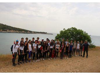 İzmir'in Dağlarında Gençlik Ateşi