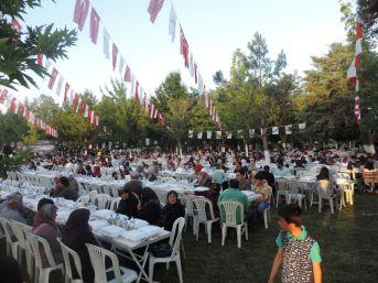 Kahramanmaraş'ta 3 Bin Kişiye İftar Yemeği