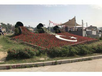 Karabük'te Türk Bayrağı Çiçek Açtı