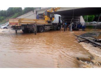 Kocaeli'de Hastaneyi Su Bastı