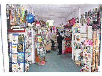 Konya'da İş Yerinden Hırsızlık Yapan Şüpheliler Kamerada