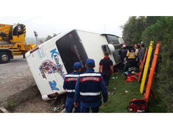 Kütahya'da Otobüs Devrildi: 1 Ölü, 16 Yaralı