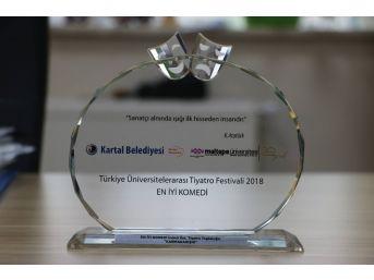 Tiyatro Topluluğuna 'en İyi Komedi Ödülü'