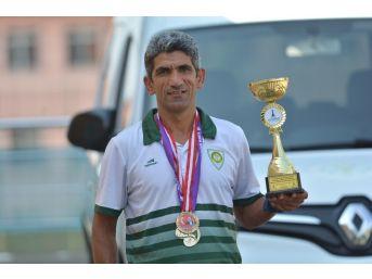 Şampiyon Koşucu Bayram'dan 2 Günde 2 Madalya