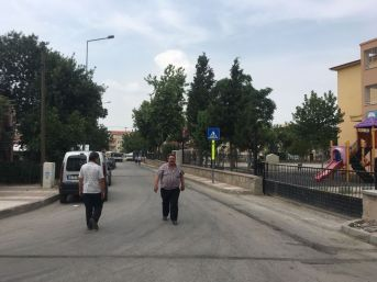 Yunusemre'den Barbaros'ta Yol Çalışması