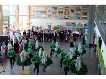 Tataristan'dan Türkiye'ye Devlet Töreni İle Turist Gönderildi