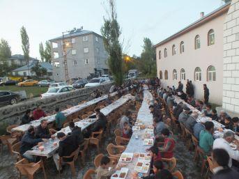 Malazgirt Belediyesinden İftarlar Programı
